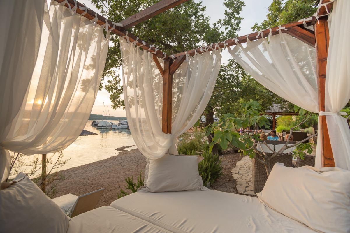 RELAX PACKAGE-GLAMPING TENTS